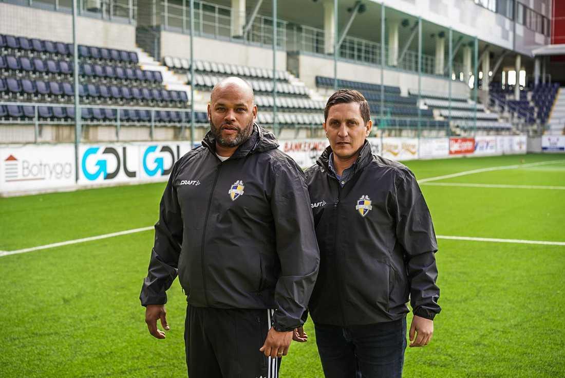 Ken Ring e Carlos Banda.