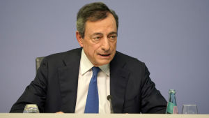 Mario Draghi durante la sua ultima conferenza stampa come presidente della Banca centrale europea il 24 ottobre 2019.