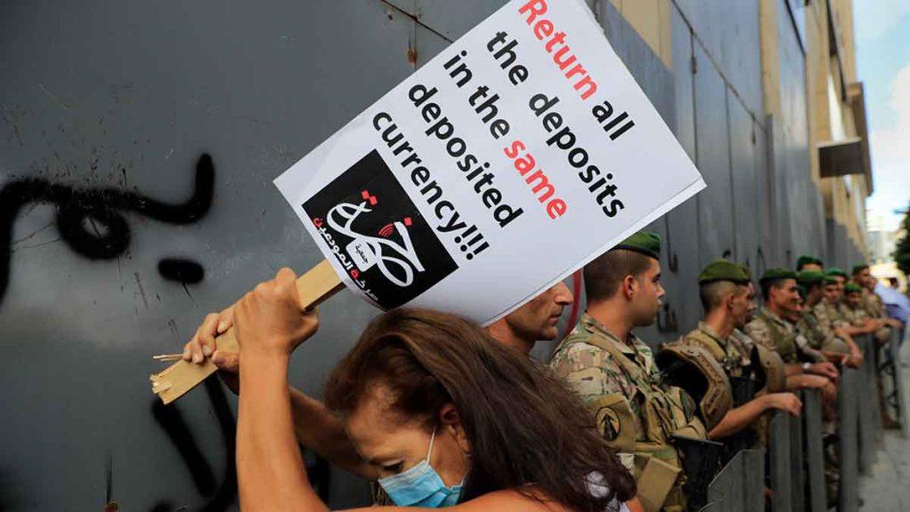 Rea på pengar efter bankkrasch i Libanon